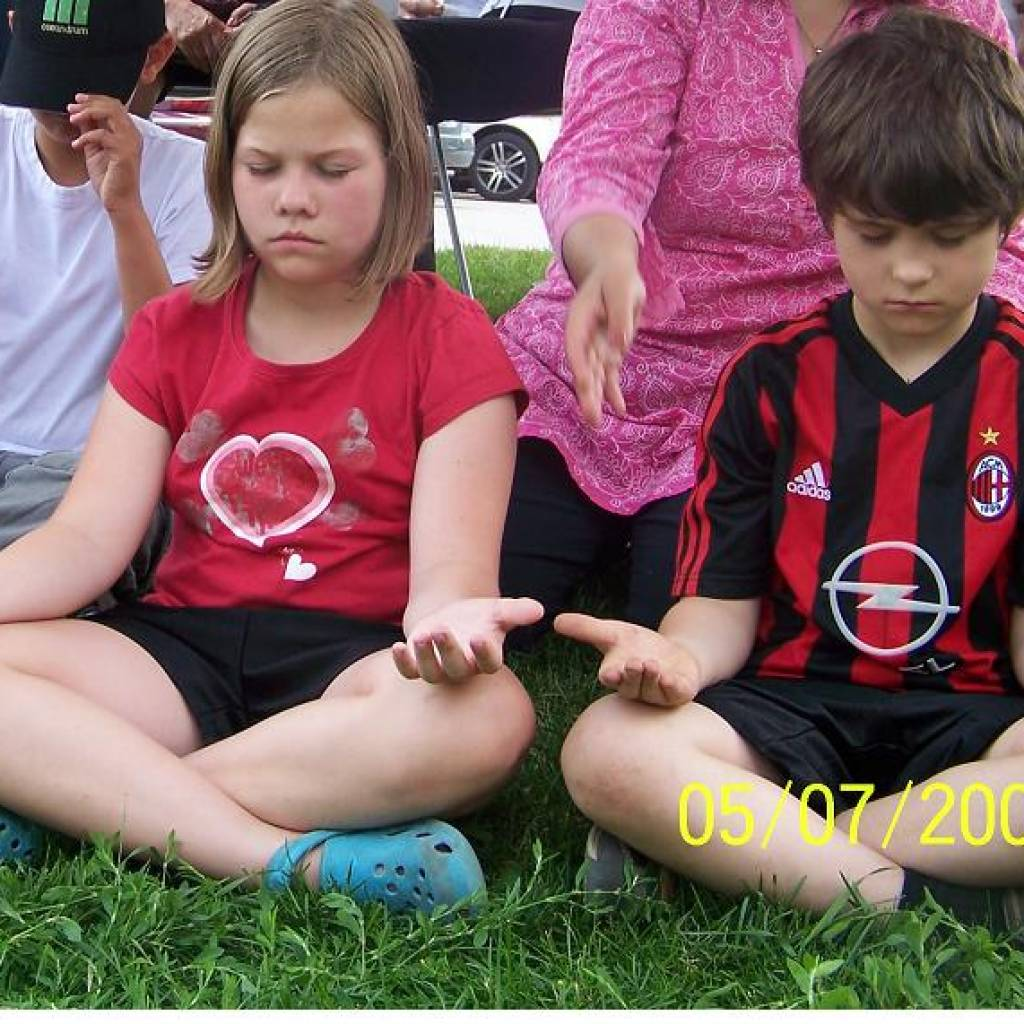 Children-Trying-Sahaja-Yoga-Meditation-at-Strawberry-Festival-in-Burlington1